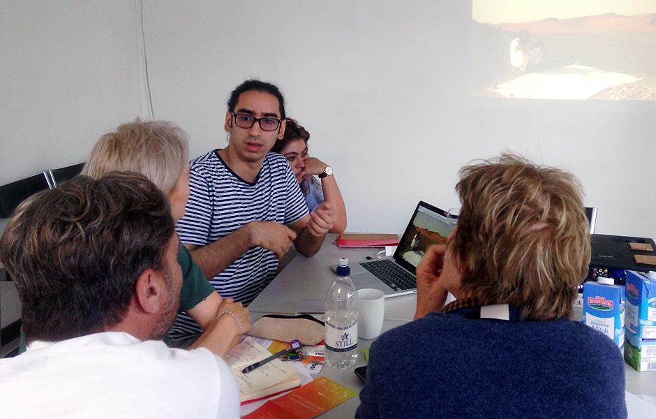 ISTABRAQ HUSSAIN beginnt CrossCulture Praktikum