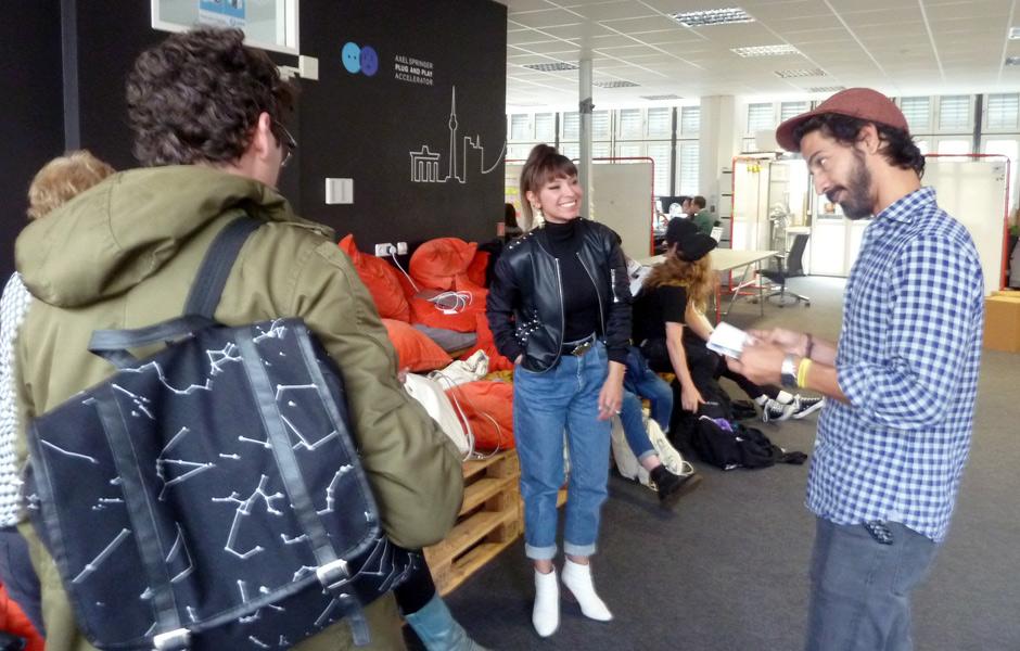 Besuch BOOK A STREET ARTIST von Charlotte Specht & Mario Rueda