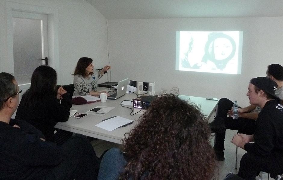Vortrag PROFESSION PERFORMERIN: BERUF, BERUFUNG UND BANN von Kerstin Cmelka