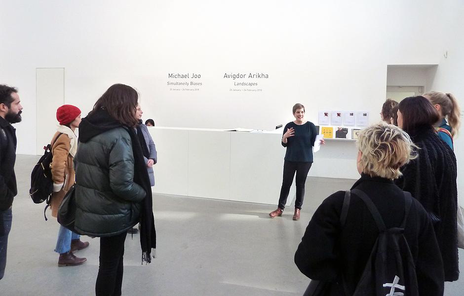 Besuch SIMULTANEITY BIASES von Michael Joo & LANDSCAPES von Avigdor Arikha