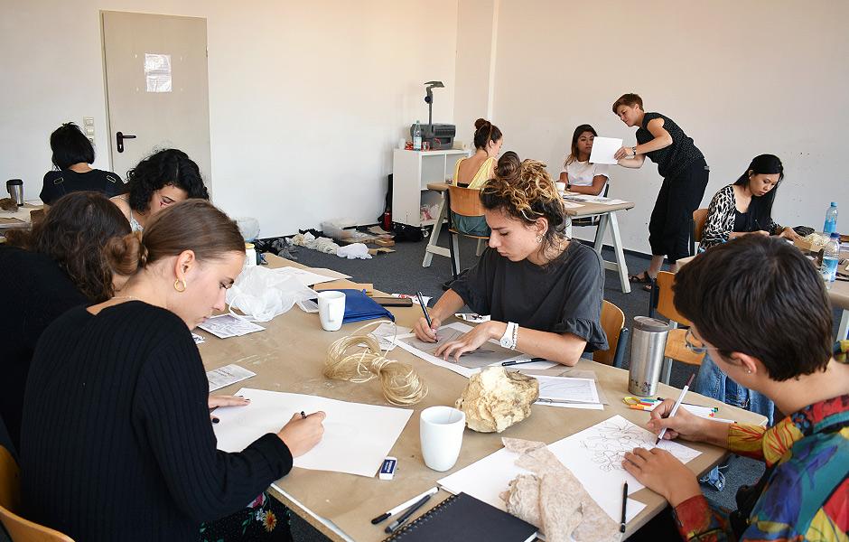 Basic Course EXPERIMENTAL DRAWING by Nikola Röthemeyer