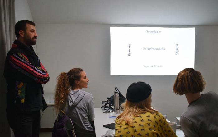 Seminar WERKZEUGE FÜR EINEN GEMEINSCHAFTSVORTRAG von Ahmet Öğüt
