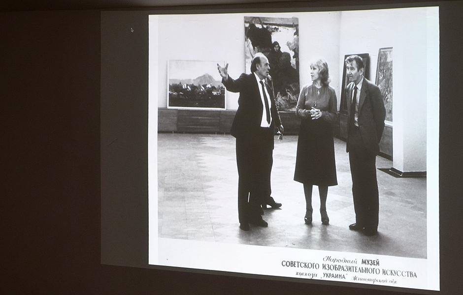Vortrag KMYTIV PHENOMENON. THE WAR IN MUSEUM von Nikita Kadan