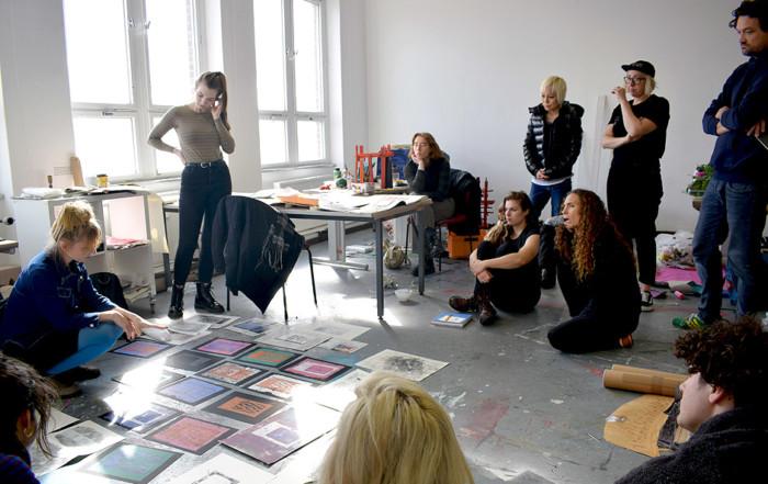 "HOW DO WE TALK ABOUT ART? A SEMINAR ON CRITIQUING THE ""CRIT"" by Dagmara Genda"