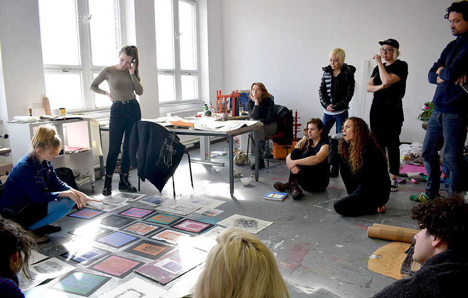 "HOW DO WE TALK ABOUT ART? A SEMINAR ON CRITIQUING THE ""CRIT"" by Dagmara Genda"